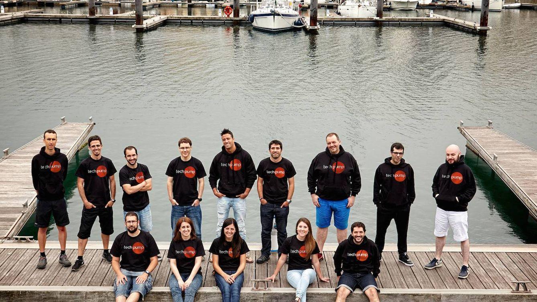 Foto:  Borja Mera, en el centro de la imagen con sudadera, es el fundador de Techpump.