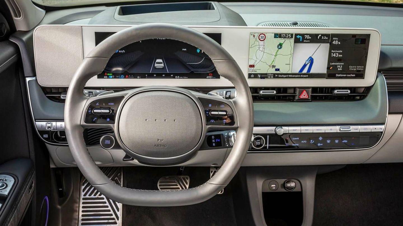 La interfaz de la 'app' coincide con el sistema de infoentretenimiento del Ioniq 5 (la foto es del interior de este modelo).