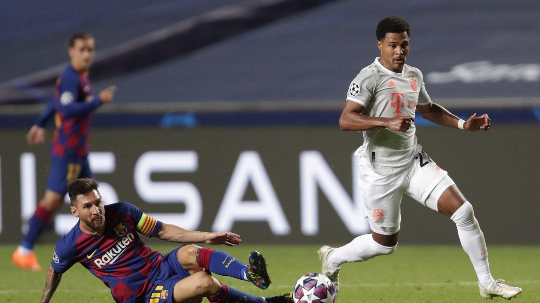 Gnabry y Messi, durante el partido. (Efe)