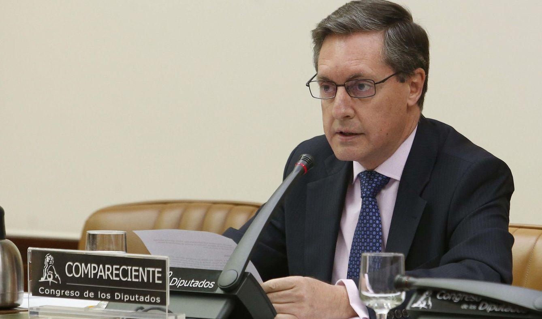 Foto: El director general de la Agencia Tributaria (AEAT), Santiago Menéndez, durante su comparecencia hoy en la Comisión de Economía del Congreso (Efe)