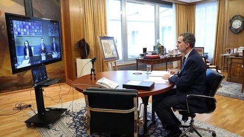 El libro de Rajoy, una carpeta del Covid-19... Los secretos del despacho de Felipe VI