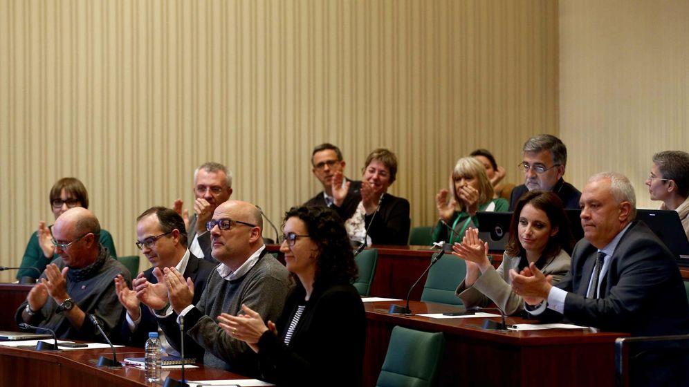 Foto: Los diputados que forman parte de la comisión de estudio del proceso constituyente. (EFE)