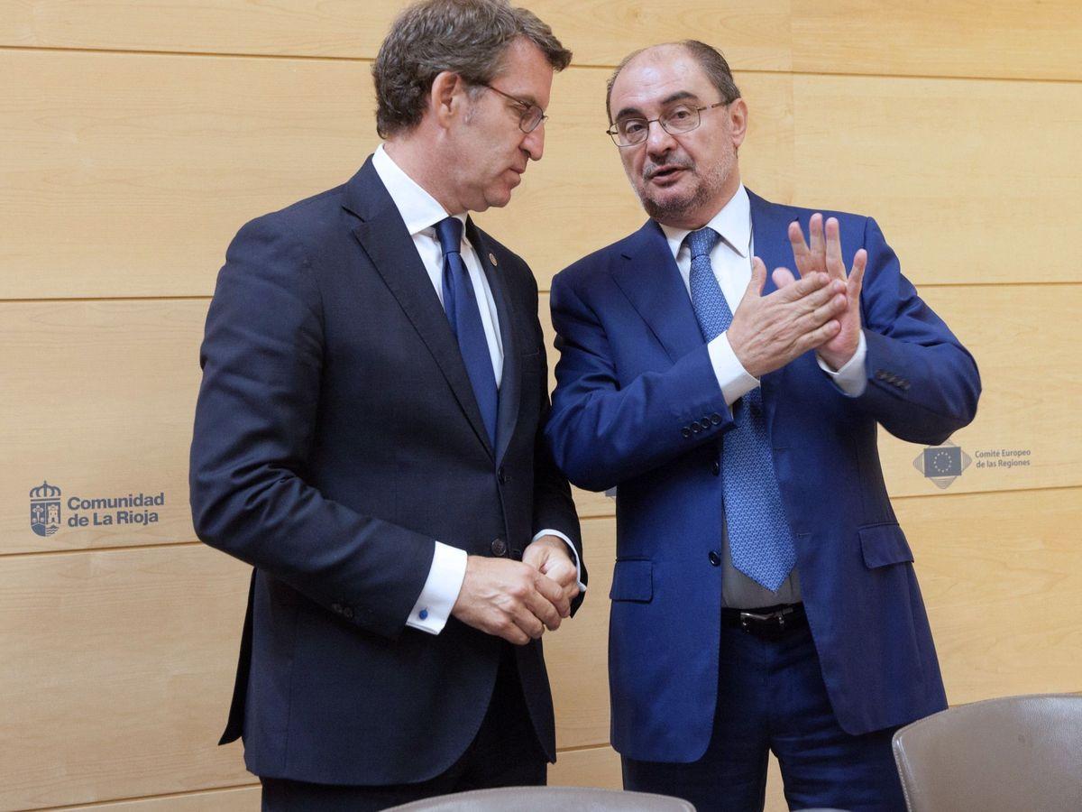 Foto: Feijóo y Lambán, tras participar en 2018 en un seminario en León. (EFE)