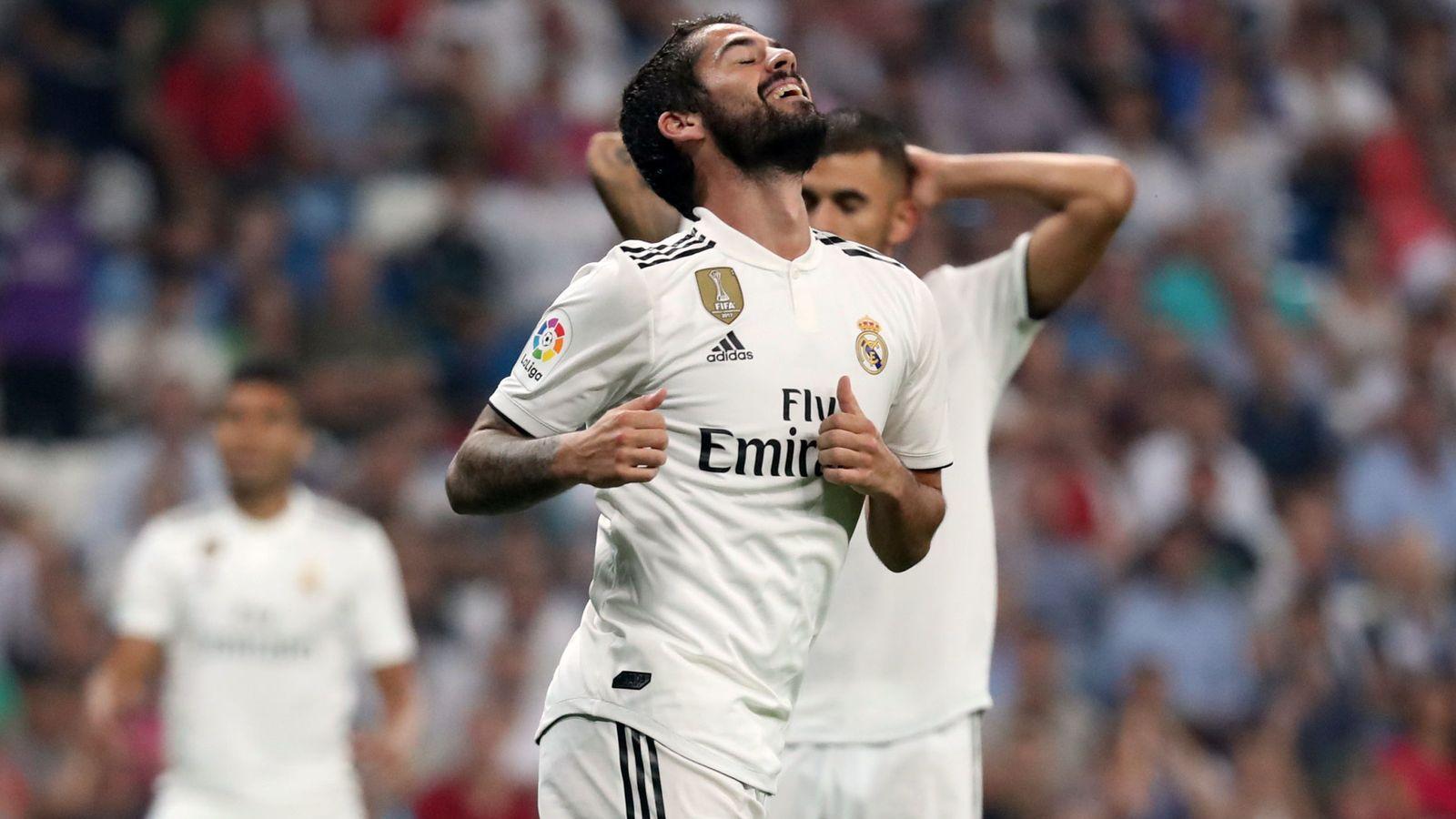Foto: Isco durante un partido con el Real Madrid en el Bernabéu. (Efe)