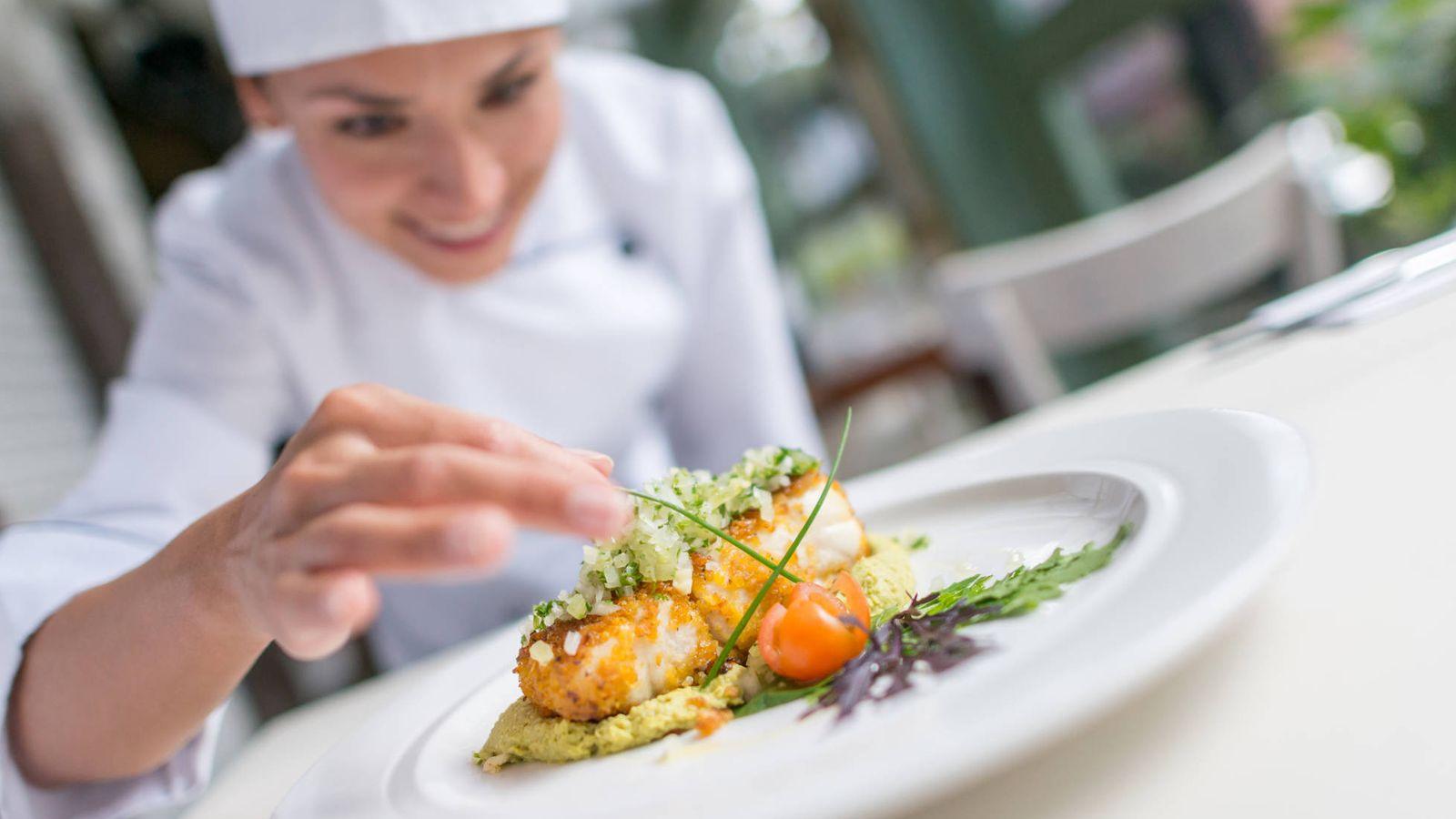 Foto: Plato de pescado listo para servir. (iStock)