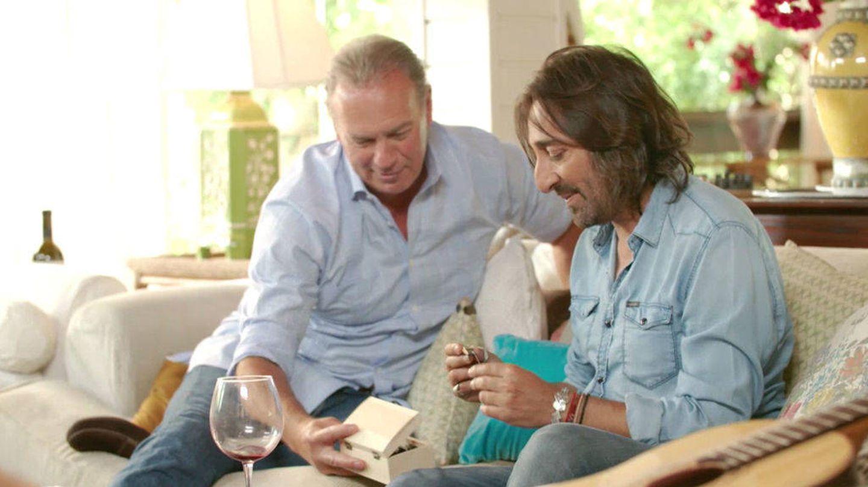 Bertín Osborne en un momento de la entrevista con Antonio Carmona.