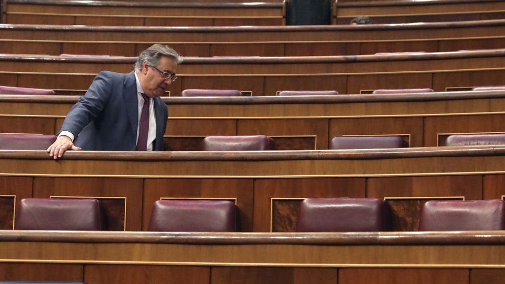Primer pleno de la 'era Sánchez': Soraya, tras Rajoy y Cospedal, en primera fila