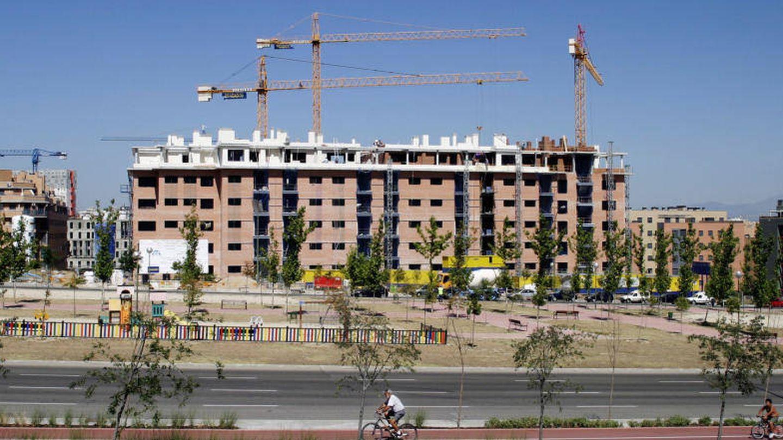Un bloque en construcción al sur de Madrid. (Reuters).