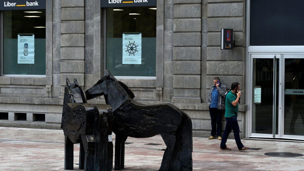 Liberbank se viene abajo tras dispararse este lunes por la prohibición de operar en corto