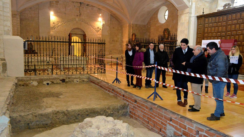 El milenario monasterio palentino que acogió a Coloma, Fuentes Quintana y Arzalluz