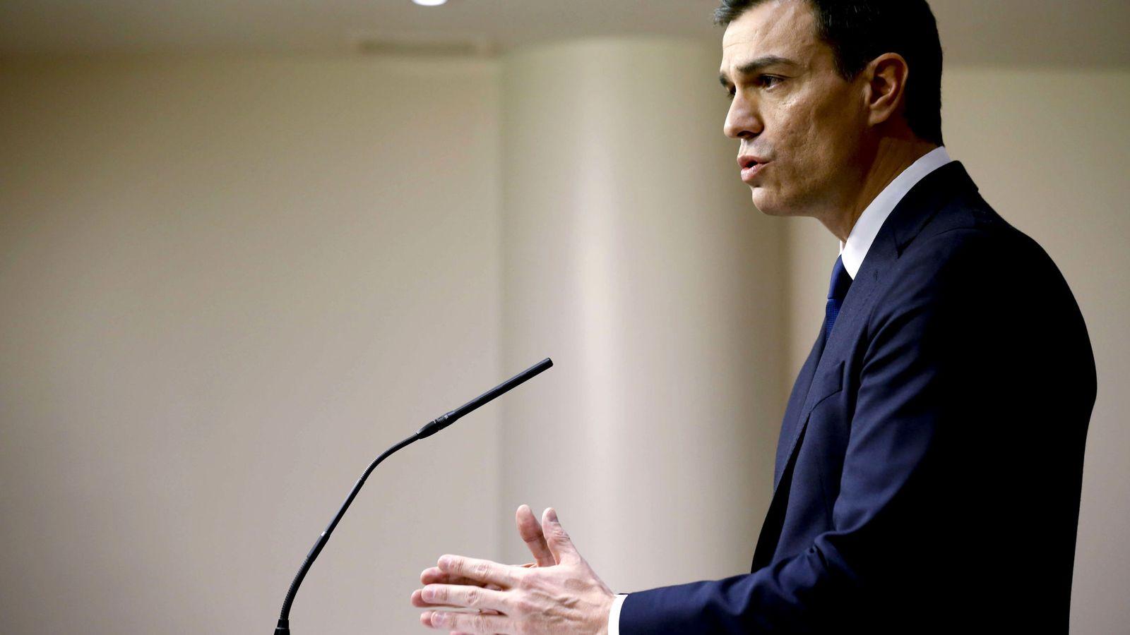 Foto: Pedro Sánchez, durante la rueda de prensa tras su reunión con el Rey, el pasado viernes. (EFE)