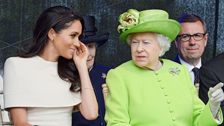 Meghan Markle junto a la reina Isabel. (Reuters)