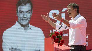 Los perdedores sugestionan a los militantes socialistas: de Sánchez a Hamon