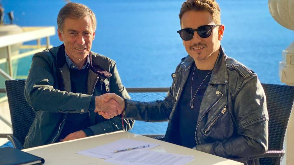 Foto: Lin Jarvis y Jorge Lorenzo firmando su alianza con Yamaha. (Jorge Lorenzo)