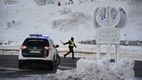 Madrid prohíbe el acceso en coche y bus a la Sierra por el temporal de nieve