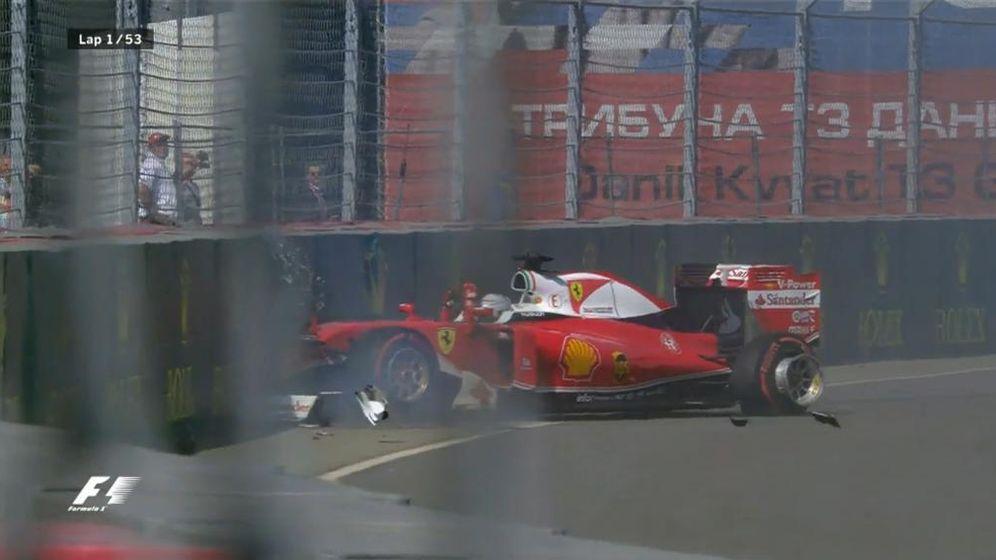 Foto: Vettel tras sufrir el doble golpe de Daniil Kvyat.