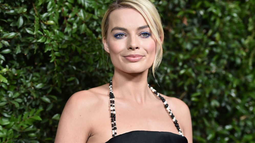 Foto: Margot Robbie siempre arriesga con sus maquillajes. (Getty)
