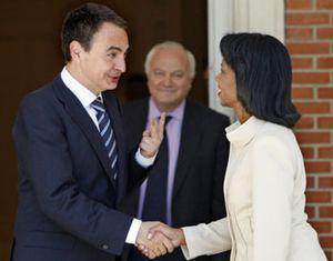 Rice llega a España y critica al Gobierno por Cuba