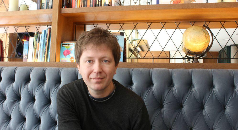 Foto: El periodista ruso Andrei Soldatov, en Madrid. (D. Iriarte)