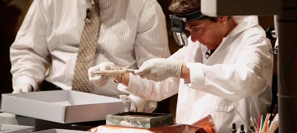 Foto: Abren una cápsula del tiempo enterrada hace más de 200 años