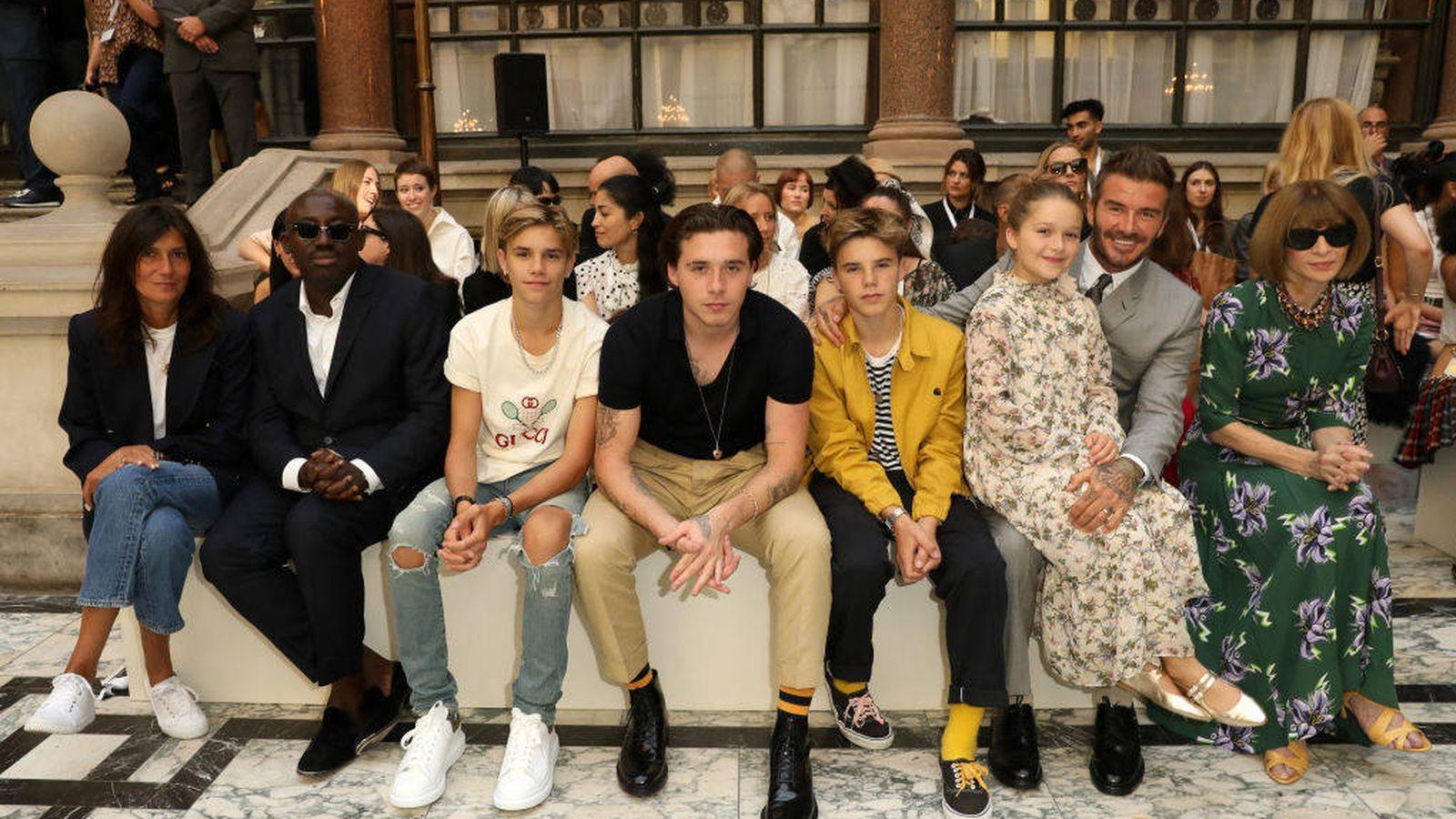 Foto: La family Beckham, en el front row del desfile de Victoria. (Getty)