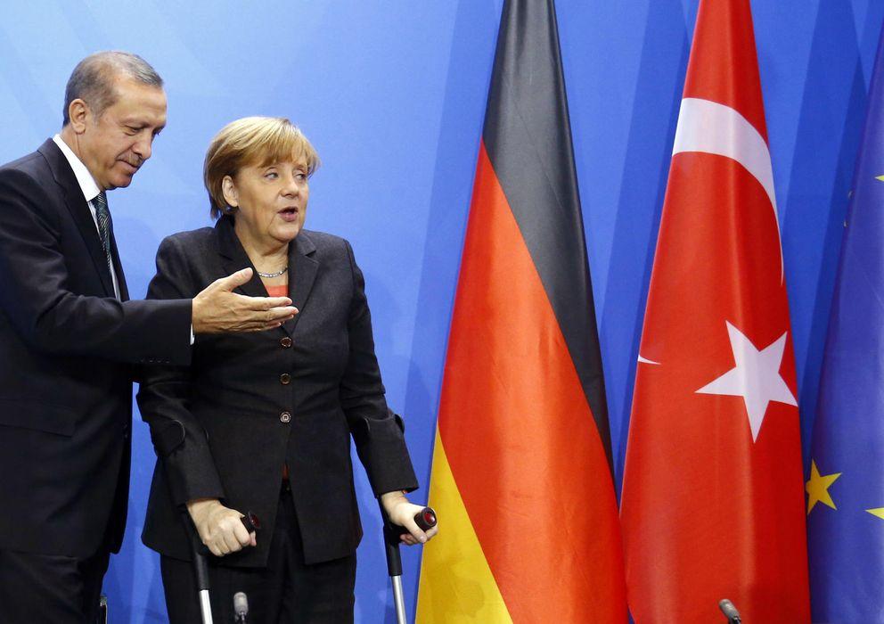 Foto: Erdogan con la canciller Angela Merkel tras una reunión este martes en Berlín (Reuters).