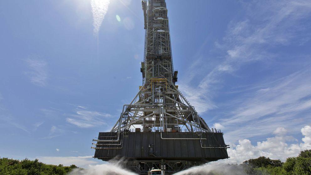 Mudanza histórica en la NASA: así transportan una plataforma espacial de 5.000 toneladas