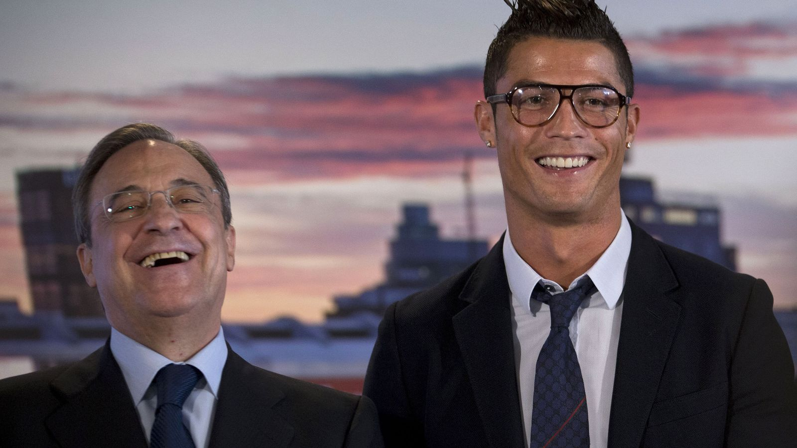 Foto: Florentino Pérez y Cristiano Ronaldo, tras las renovación del portugués con el Real Madrid.