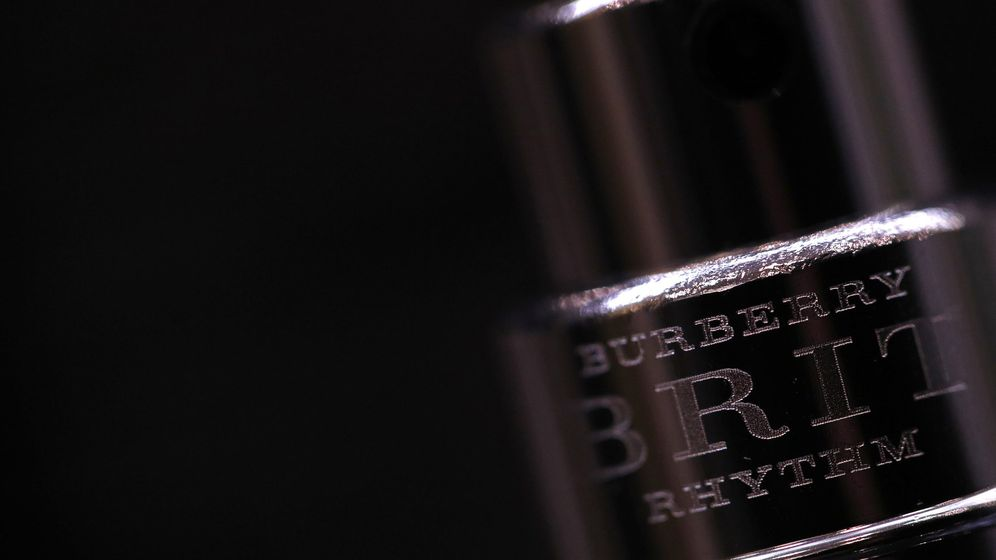 Foto: Burberry se hunde un 5% en su peor sesión en año y medio tras presentar sus cuentas