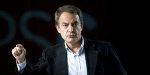 Foto: Zapatero pide auxilio al mundo del dinero tras el manifiesto de los empresarios al Rey