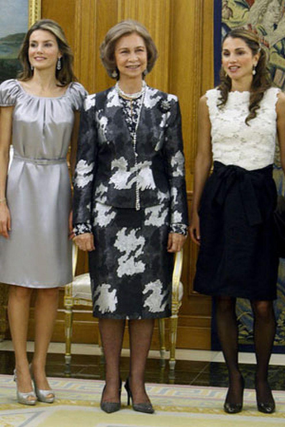 Foto: Rania de Jordania 'evita' hacerse la foto con Letizia