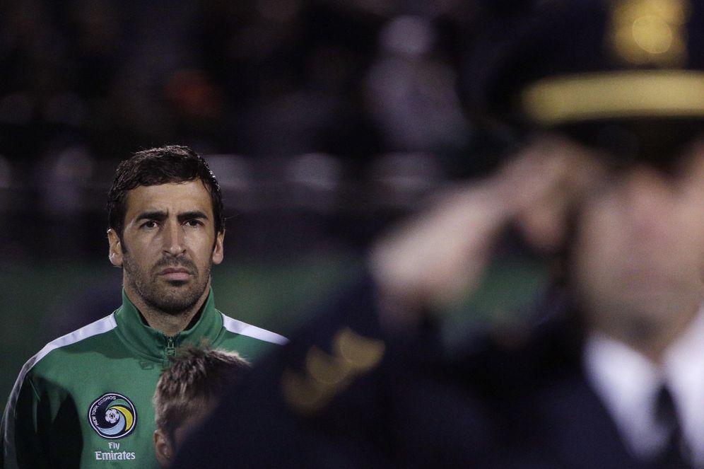 Foto: Raúl, antes de su último partido, con el Cosmos de Nueva York. (EFE)