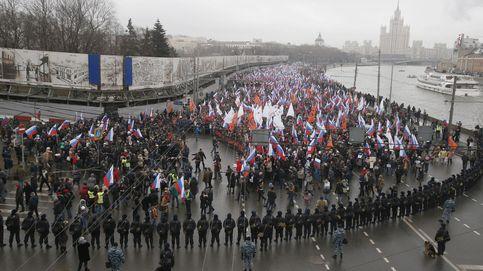 Decenas de miles protestan en Moscú por el asesinato de Nemtsov