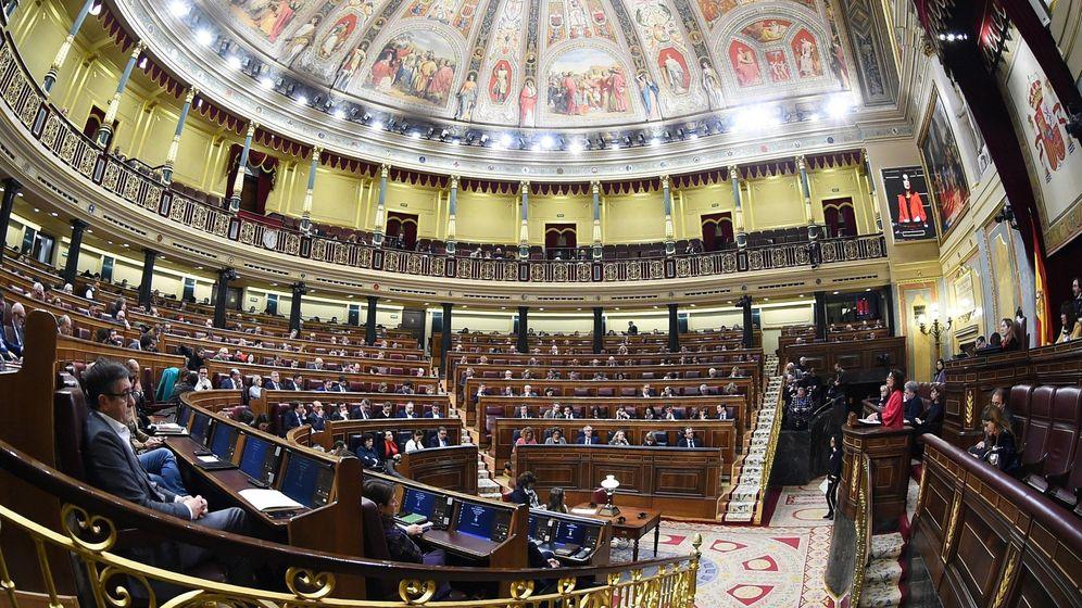 Foto: Vista general del hemiciclo del Congreso de los Diputados durante el último pleno del debate de las enmiendas a la totalidad de los Presupuestos. (EFE)