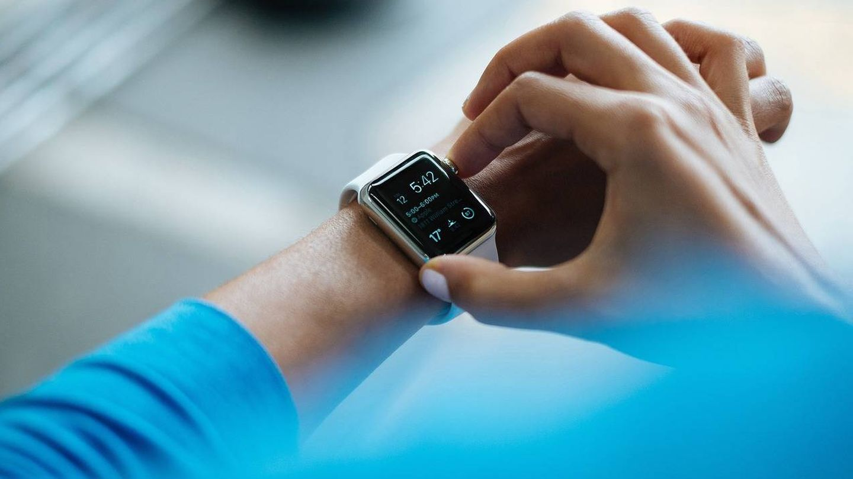Las pulseras inteligentes podrían tener un uso cada vez mayor en el ámbito empresarial (Foto: Pixabay)