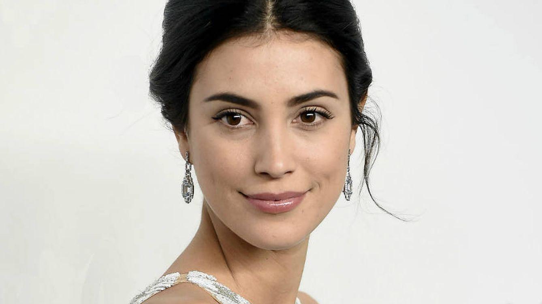 Desvelamos el diseñador español del vestido de novia de Sassa de Osma y la tiara elegida