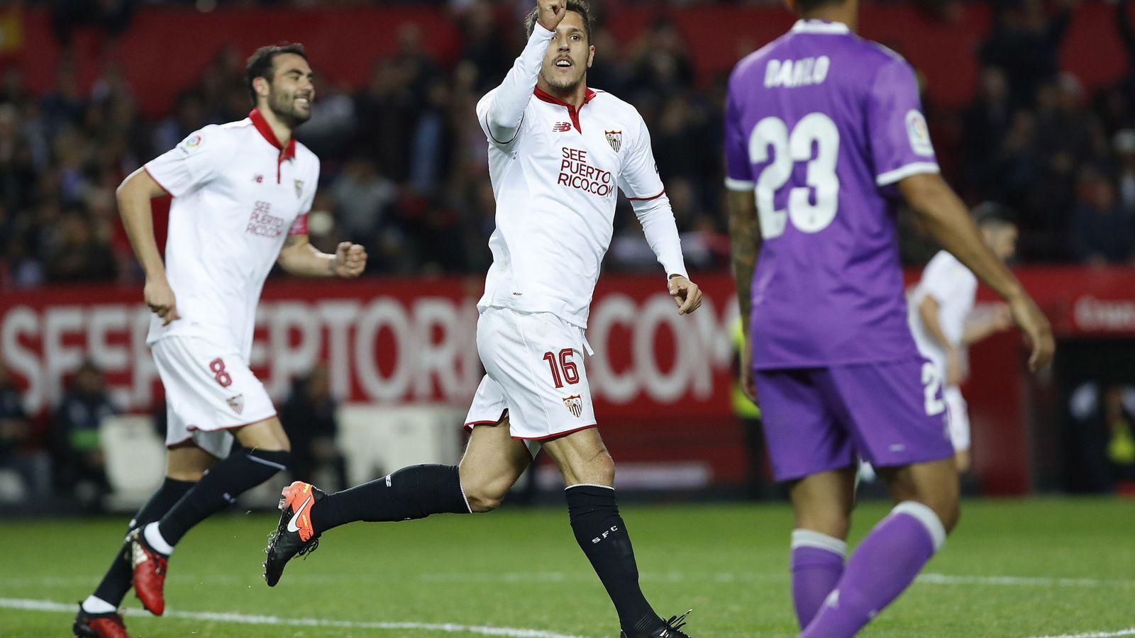 Foto: Jovetic celebra el gol que le marcó al Real Madrid en su estreno como jugador del Sevilla (EFE)
