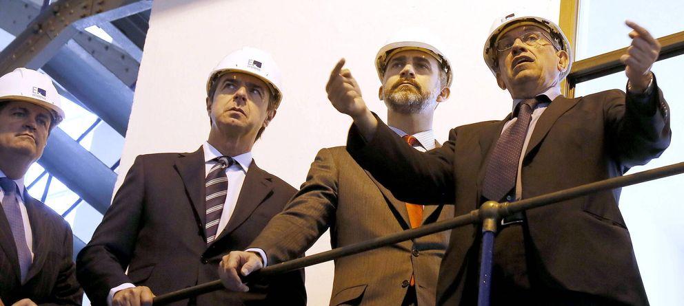Foto: José Manuel Soria, ministro de Industria, el rey Felipe VI y Borja Prado, presidente de Endesa