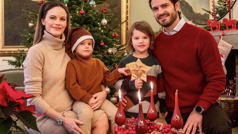 Carlos Felipe, con su mujer y sus hijos. (EFE)