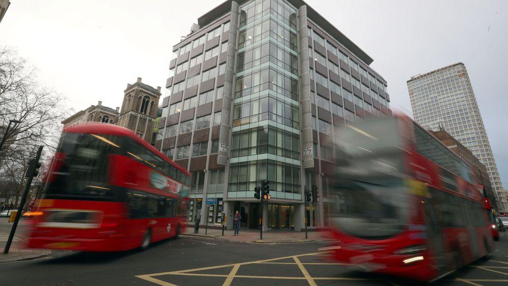 Foto: Sede central de Cambridge Analytica en Londres, el 23 de marzo de 2018. (Reuters)