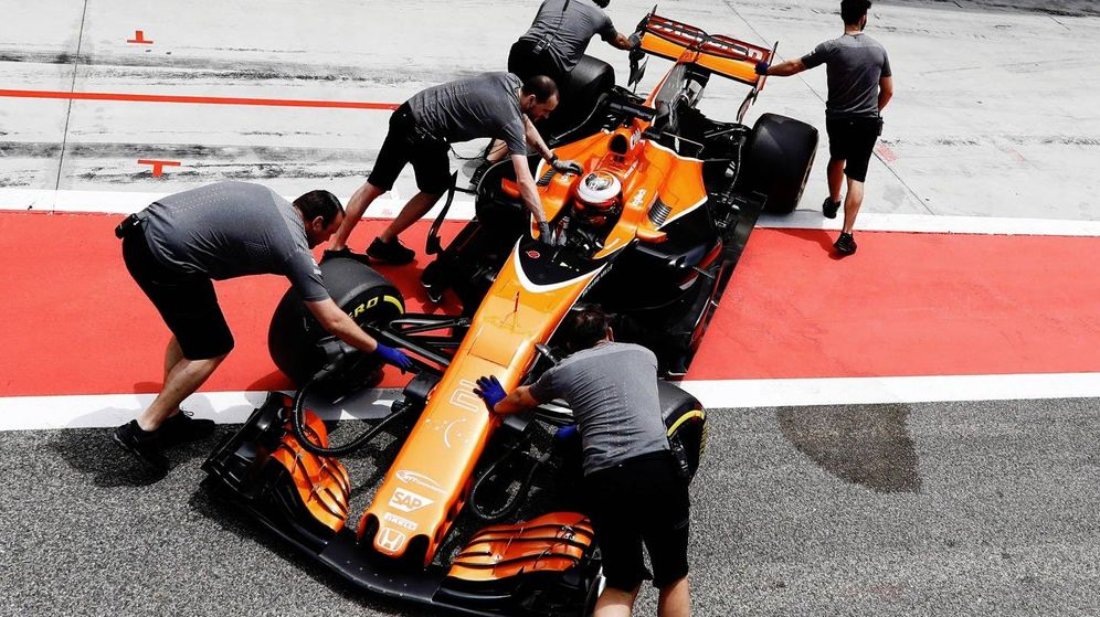 Foto: El McLaren de Stoffel Vandoorne, este miércoles en Baréin.