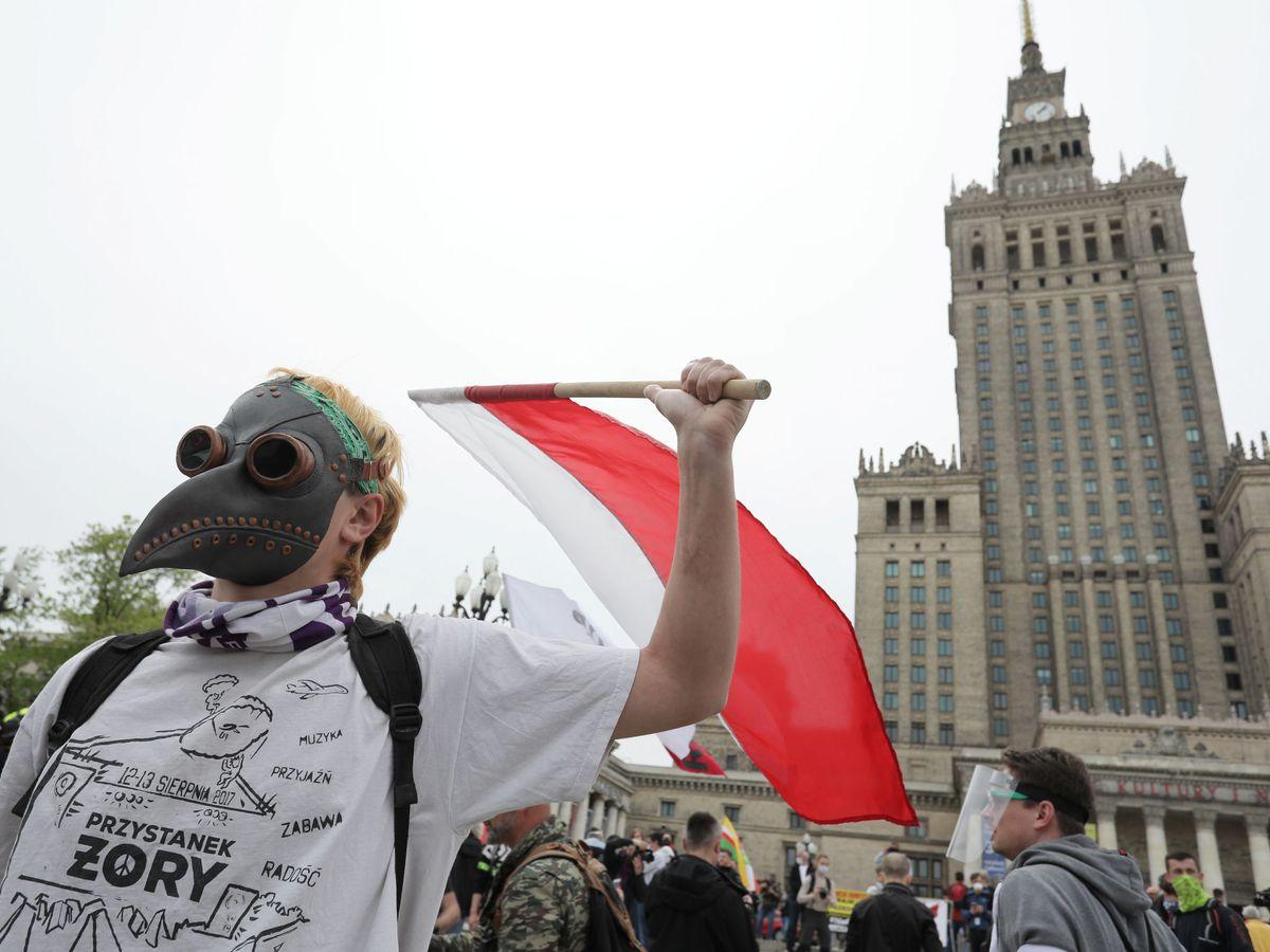 Zdjęcie: Protestujący przeciwko polskiemu rządowi.  (Reuters)