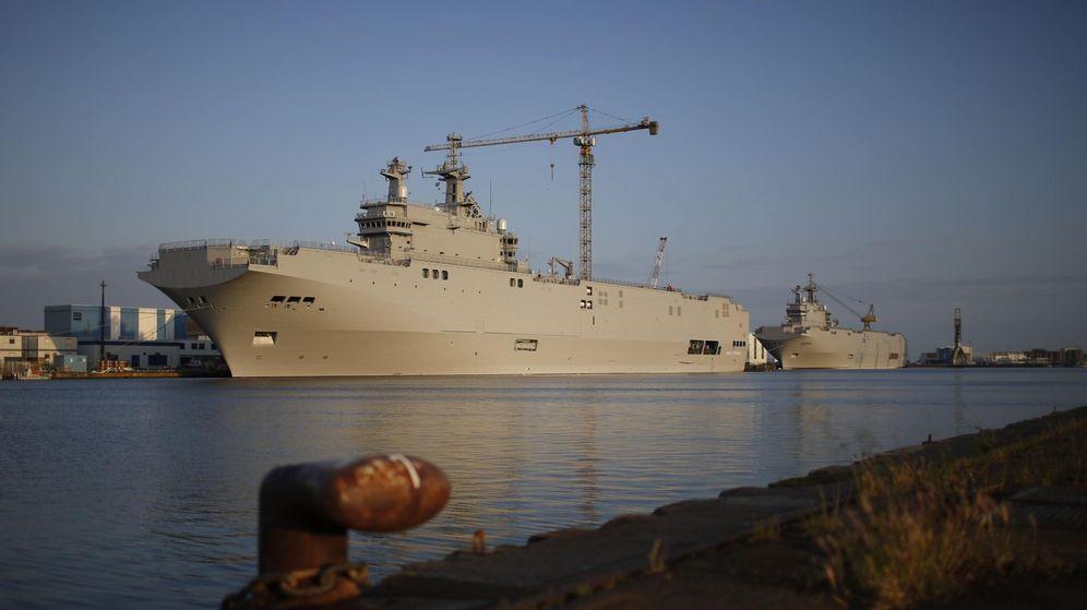 Foto: Los dos buques Mistral en el puerto de Saint-Nazare, el pasado mayo (Reuters)