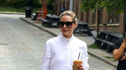 Jeans y blusa romántica, la tendencia que adoran Olivia Palermo y Sienna Miller