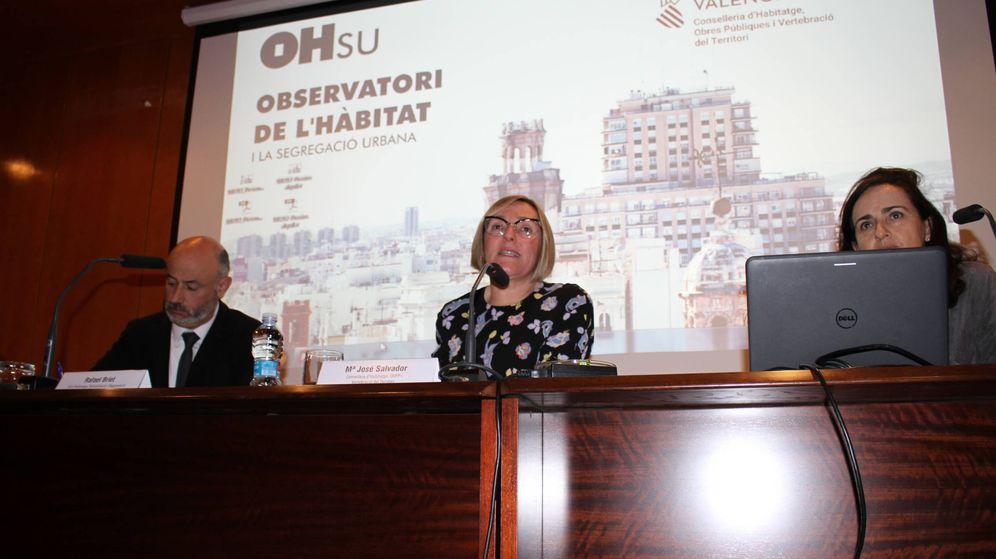 Foto: La 'consellera' de Vivienda, María José Salvador (c), en la presentación del índice de precios. (GVA)