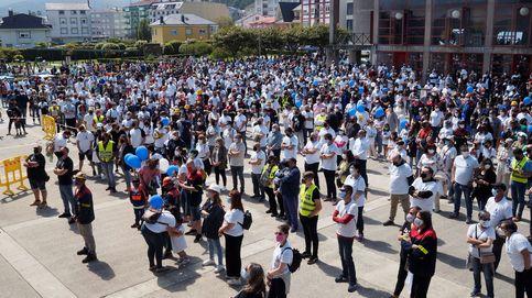 Multitudinaria concentración de vecinos y empleados de Alcoa un año tras el ERE de San Cibrao