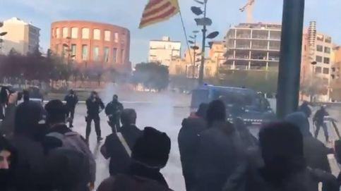 Los Mossos hieren a una diputada de la CUP en las cargas contra los CDR