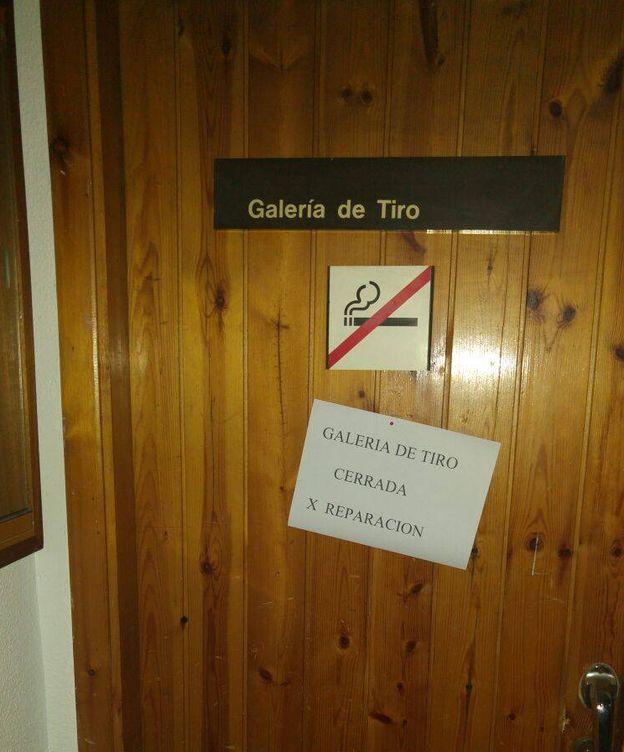 Foto: Acceso a la galería de tiro cerrada. (EC)