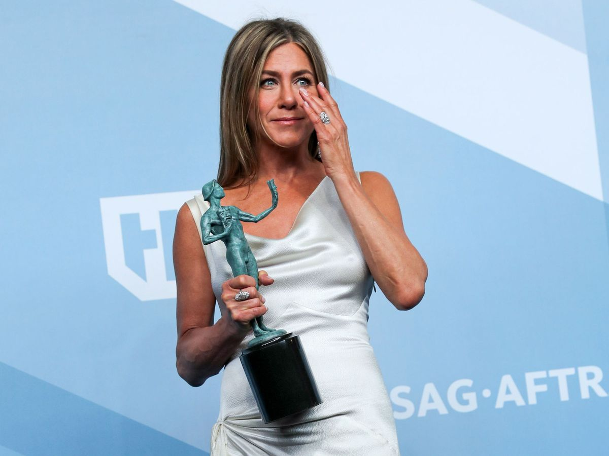 Foto: Jennifer Aniston recoge el premio. (EFE)