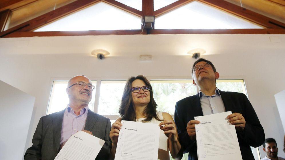 Foto: Los candidatos a la Presidencia del Gobierno valenciano del PSPV, Ximo Puig (i), Compromís, Mònica Oltra, y Podemos, Antonio Montiel. (EFE)